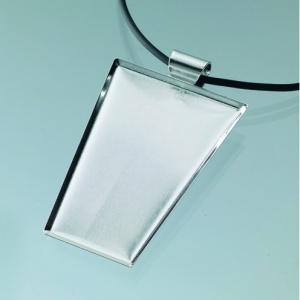 hangsmycke-for-mosaik-40-x-25-x-55-mm-forsilvrad-trapetsoid-svart-band
