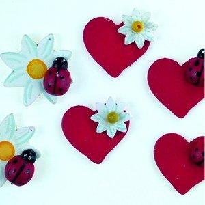 Dekor trä 30 mm - 24 st. hjärtan / blommor med nyckelpiga