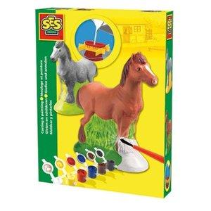 Gjut och måla en häst