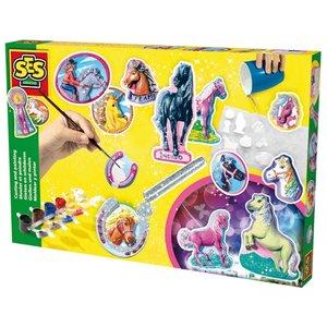 Gjut och måla hästar med glitter